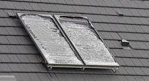 Panneaux solaires photovoltaïques endommagés