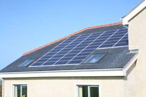 Panneaux solaires intégrés montage par Bâti-dépôt