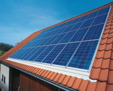 Fabriquer son propre panneau solaire et l'installer sur le toit
