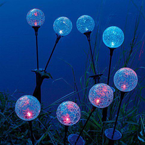 Des sphères comme lampes solaires